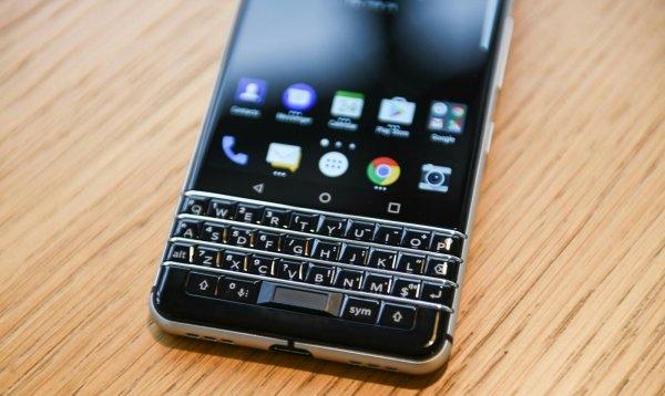 В ролике смартфона BlackBerry KEY2 видна новая аппаратная кнопка