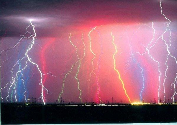 Ученые рассказали о местах на планете, где чаще всего возникают молнии