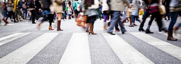 Искусственный интеллект узнает человека по походке