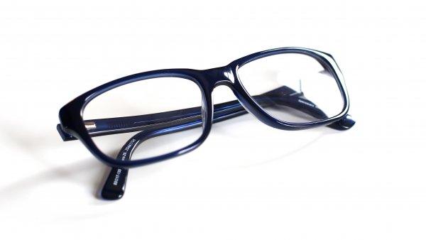 Учёные: Люди в очках умнее зрячих