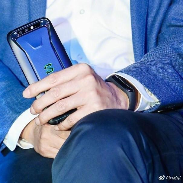 Озвучена цена на Xiaomi Mi Band 3 и ему приписывают eSIM