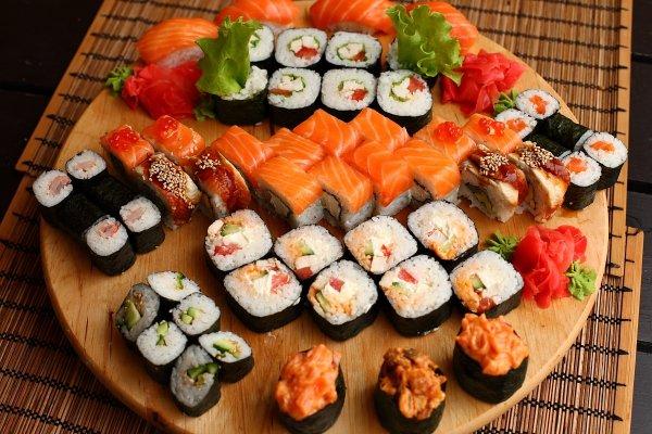 Эксперты выяснили, в чем вред и польза суши и роллов