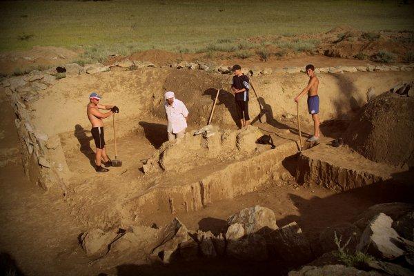 Археологи наткнулись на нетронутую «могилу атлета» в Риме
