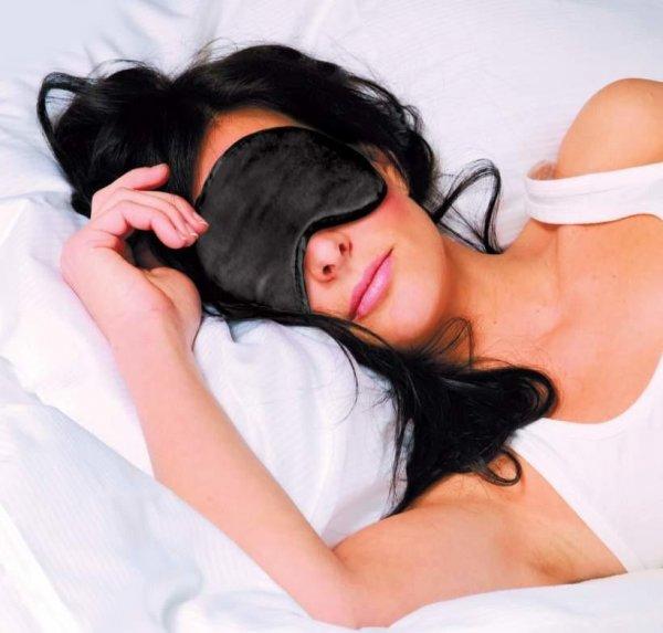 Ученые: Сон при свете провоцирует ожирение и диабет