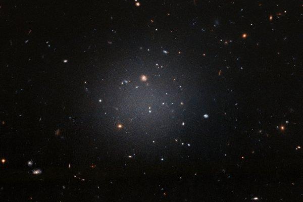 Учёные: Гравитационные волны замедляются из-за тёмной материи