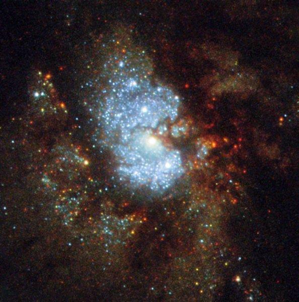 Телескоп «Хаббл» запечатлел галактику с ярким ядром