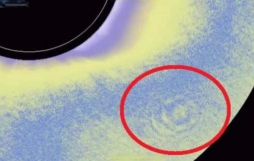 Огромный корабль пришельцев спровоцировал пульсации около Солнца