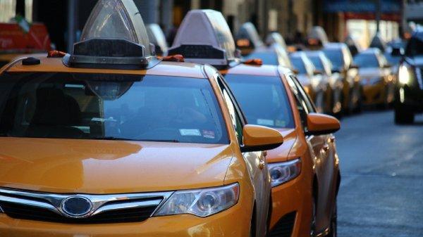 Uber повысит зарплату водителям электрокаров