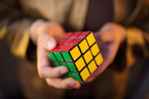 Искусственный интеллект DeepCube самостоятельно научилась собирать кубик Рубика
