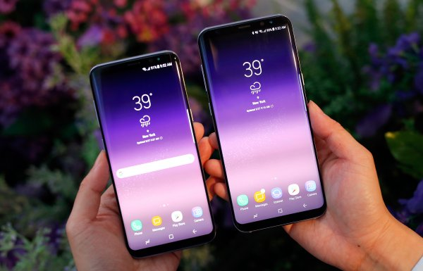 В России Samsung Galaxy S8 резко подешевел в два раза