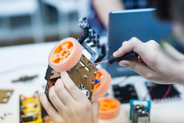 В Пекине открыли международные соревнования Robot Challenge с участием учеников программы РОБОНИКЕЛЬ