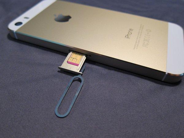 В России наблюдается резкое снижение цен на iPhone SE