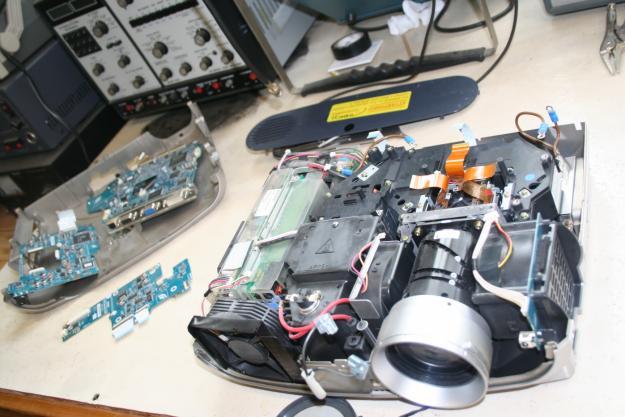 Ремонт проекторов от производителя vivitek