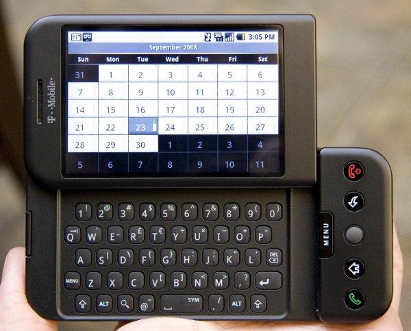 10 лет назад в мире появился первый Android-смартфон