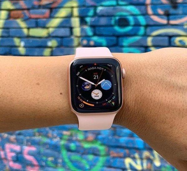 Смарт-часы Apple Watch 4 имеют функцию отслеживания падений пожилых владельцев