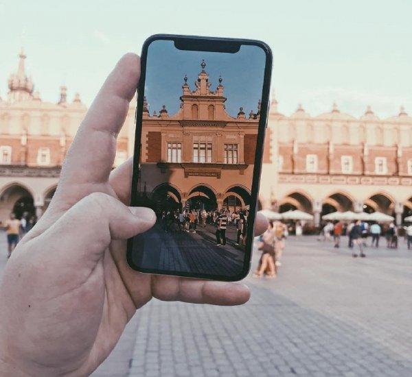 Apple сокращает объемы производства трех новых моделей iPhone