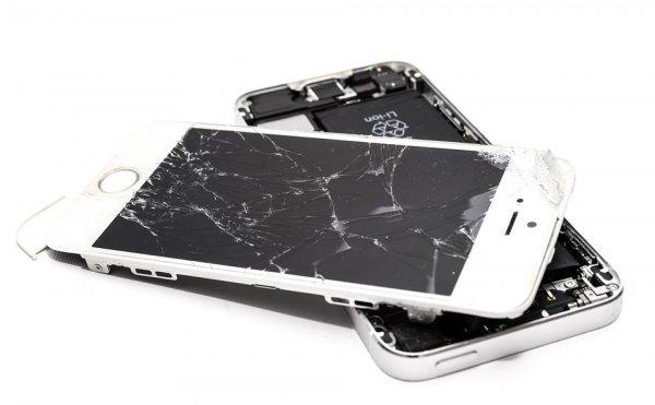 Эксперты назвали самую частую причину ремонта смартфонов