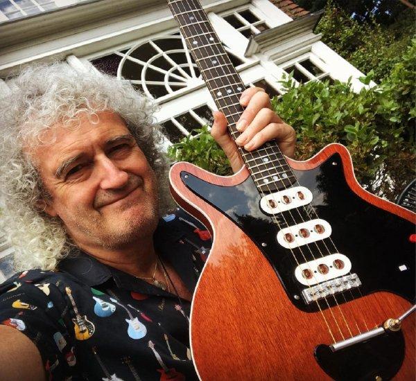 Любовь гитариста группы Queen к продукции Apple обернулась ненавистью из-за разъемов USB-C
