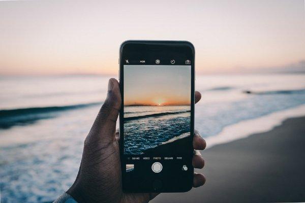 Обновление iOS лишило владельцев iPhone связи