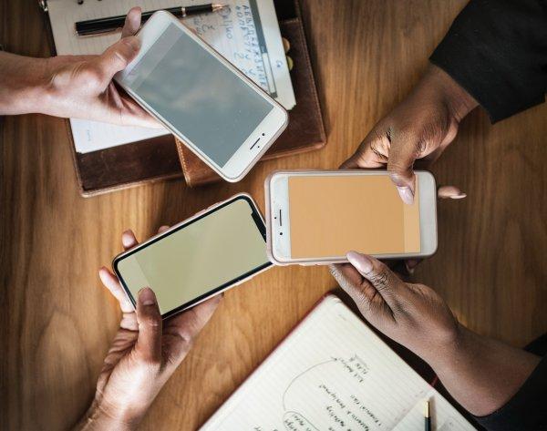 Эксперты назвали топ-3 популярных смартфонов у россиян
