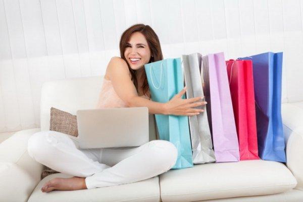 «Охлаждающий бюстгальтер» и другие обманы: В сети рассекретили мошенников «магазина на диване»