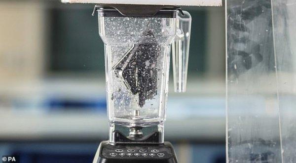 Золото, серебро и кобальт: Ученые прокрутили смартфон в блендере и выяснили его содержание