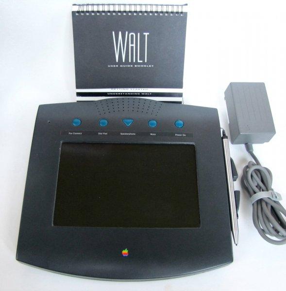 Предок iPhone оказался планшетом - В сети показали первый телефон Apple 1993 года