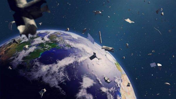 Илон Маск рискует стать главным «паразитом» в Космосе из-за запуска 12 000 спутников