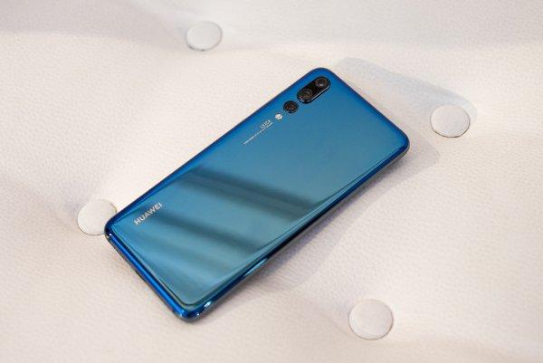 МТС дарит 14000 рублей за покупку смартфонов Huawei
