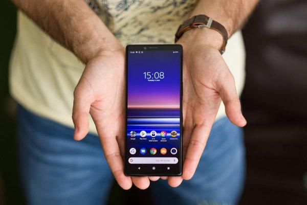 Не стыдный размер. Sony Xperia 1 получил самый длинный экран в мире